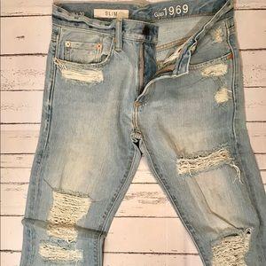 GAP Distressed Slim Fit Jean 28x28